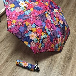 Vera Bradley umbrella in case